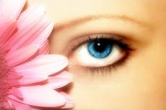 Контактные линзы- спасение для глаз